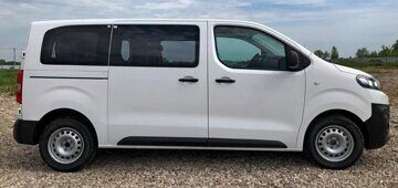 Peugeot-Expert_Citroen-Jumpy_Tour-Comfort_2